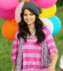 New pics from photoshoot for Dream Out Loud 2010