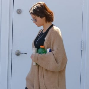 Selena arriving at the store in Los Angeles