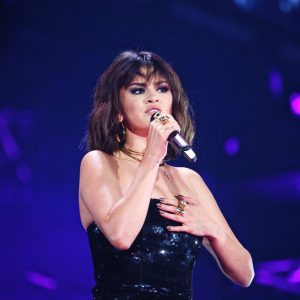 19 May Selena performing with Taylor Swift in Pasadena, CA