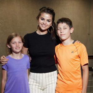 9 August Selena with fans at the Intellectual Ventures in Seattle