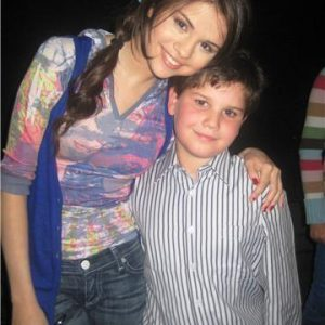 31 August new rare pics of Selena with fans from 2008-2009