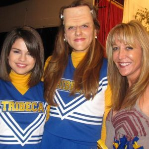 8 August new rare pics of Selena on set of Wizards Of Waverly Place