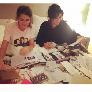 6 September @aleenkeshishian on Instagram: caught #selenagomez reading her fan mail yesterday