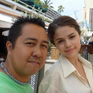 16 September rare pic of Selena with a fan on set of Monte Carlo movie in 2010