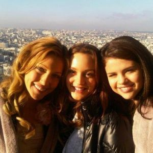 30 September rare pics of Selena with Katie Cassidy and Leighton Meester on set of Monte Carlo