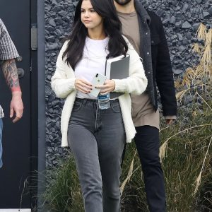 23 December Selena is out in Los Angeles