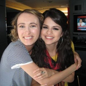 16 December new rare pics of Selena with fans at Sears photoshoot and Radio Disney in 2009