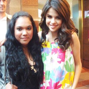 3 December new rare pics of Selena with fans on Radio Disney in 2009