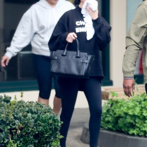 16 January Selena leaving Hot Pilates in Los Angeles
