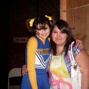 6 January new rare pics of Selena on set of Wizards Of Waverly Place