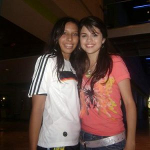 17 January new rare pics of Selena with fans on set of WOWP The Movie in 2009