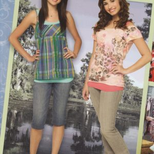 1 February check out new poster of Selena and Demi Lovato from Princess Protection Program photoshoot