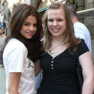 26 March rare pics of Selena with fans in Budapest in 2010