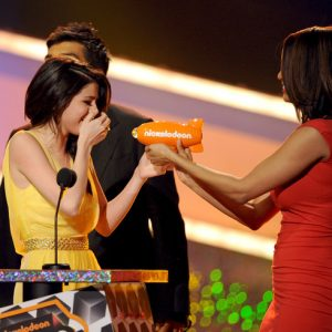 24 March Selena wins and breaks another record at Kids Choice Awards 2019!