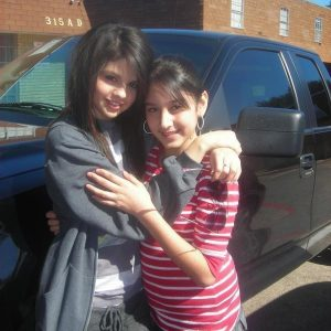 28 April check out new pics of Selena with fans in Texas from 2008