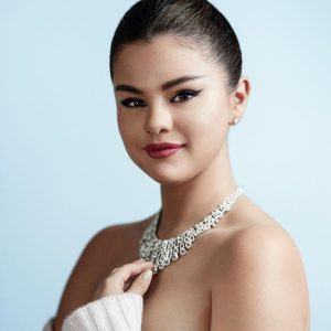 16 May HD pic of Selena from photoshoot for Gala Croisette