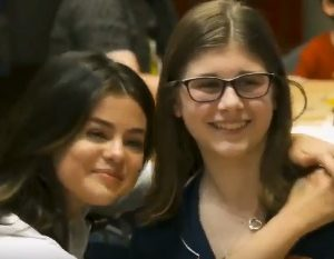 7 June videos of Selena visiting children at CMH in Kansas