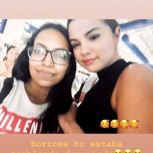 30 June more pics of Selena with fans at the airport in Puerto Vallarta, Mexico
