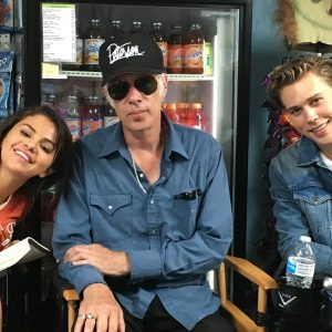 4 July @thedeaddontdie on Twitter: #TBT with @selenagomez@JimJarmusch and @austinbutler on the set of #TheDeadDontDie