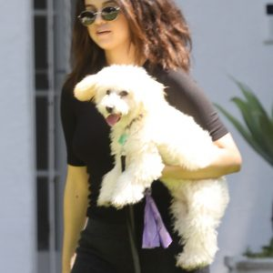 5 September Selena leaving an acting coach in Los Angeles