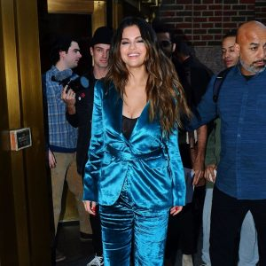 28 October Selena arriving at The Elvis Duran Morning Show in New York