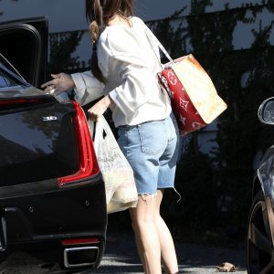 5 October Selena arriving at Hinall Horan's house in Los Angeles, California
