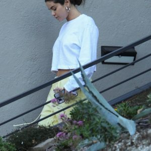 12 October Selena leaving friends house in Los Angeles, California