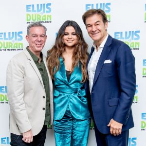28 October Selena gives interview on The Elvis Duran Morning Show