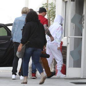 19 November Selena arriving at the recording studio in Los Angeles, California