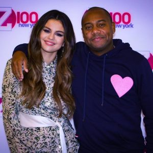 7 November new pics of Selena with Maxwell on Z100 New York