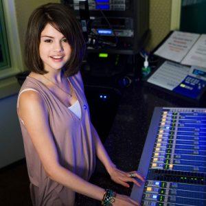 7 November @radiodisney on Twitter and Instagram: Check out @selenagomez visiting the Radio Disney studio over 10 years ago!