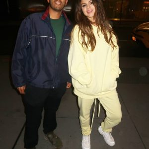 28 October new pic of Selena with a fan in New York