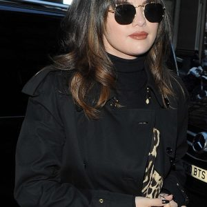 11 December Selena arriving to her hotel in London