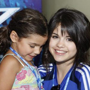 7 December new pics of Selena with fans backstage at Wizards Game from June 2008
