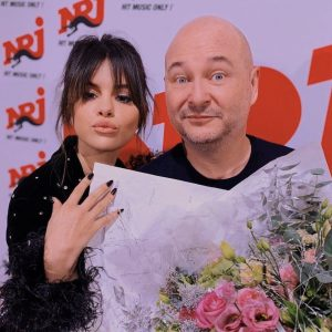 13 December Selena with Cauet on NRJ FM and pics with fans from the studio