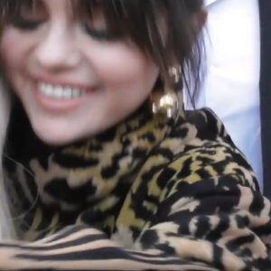 13 December Selena arriving and meeting fans on NRJ FM in Paris