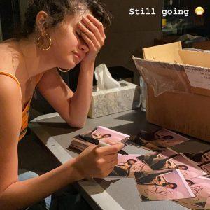 6 January Selena on Instagram Stories