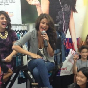 18 January check out new pics of Selena with fans at Drem Out Loud Event from 2013