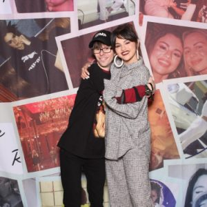 1 February new pic of Selena with a fan at the Meet & Greet at Puma Flashgrip Store in New York