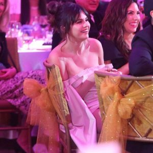 6 February new pics of Selena at Hollywood Beauty Awards