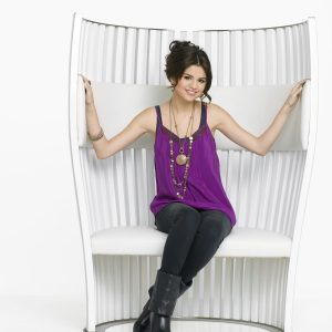 4 March check out 40+ HD pics of Selena from photoshoot for 4th season of WOWP