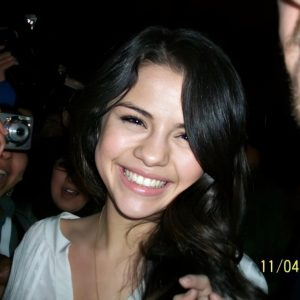 20 April new pics of Selena at the Kiss & Tell Tour concert from April 2010 in London