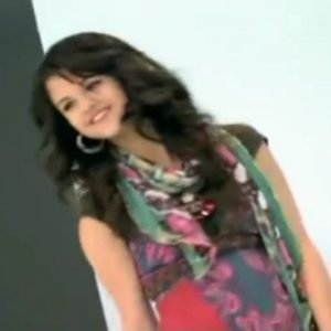 13 July in the new cute video from 2008 go behind the scenes with Selena to the WOWP photoshoot