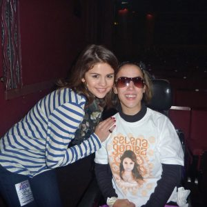 22 July new rare pic of Selena with a fan from 2010