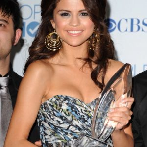 """1 October: Vote for Selena at """"People's Choice Awards 2020""""!"""