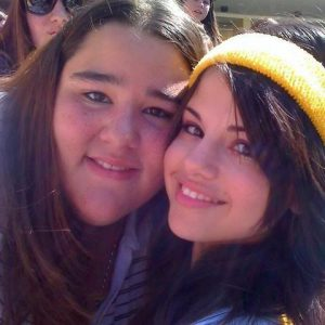 9 December check out new pics of Selena with fans at Disney Games from 2008