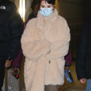 8 December more new candids of Selena on set of Only Murders In The Building