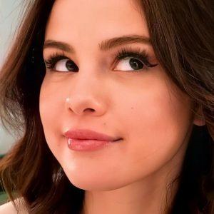 13 January Selena in Rare Beauty's Instagram story