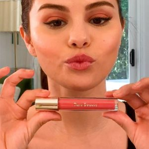 19 January @sephora on IGTV: @rarebeauty Stay Vulnerable #rareroutine with @selenagomez