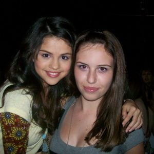 5 January check out new rare pics of Selena with fans on set of WOWP season 1